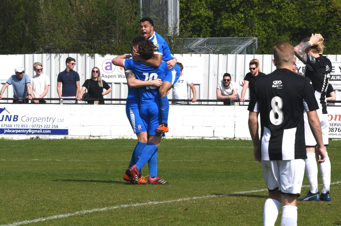 Coggeshall Stun The Swifts